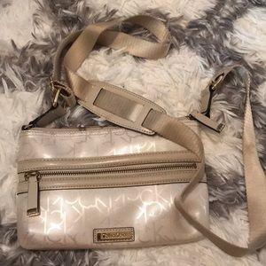 Calvin Klein Crossbody Bag (color: Cream)